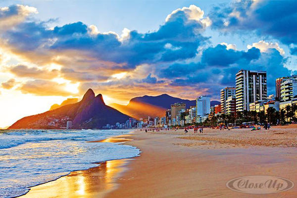 poster rio de janeiro ipanema plage posters grand format commandez d s maintenant close up. Black Bedroom Furniture Sets. Home Design Ideas