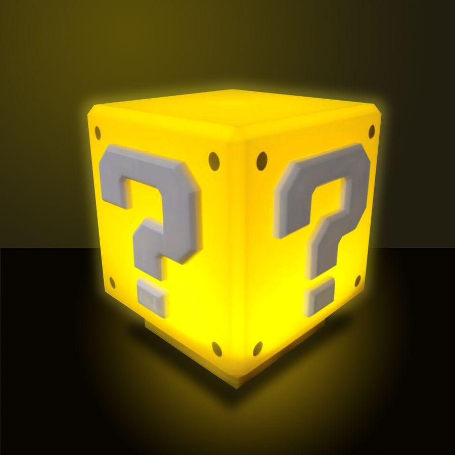 lampe de table mini super mario cube myst re en vente sur close up. Black Bedroom Furniture Sets. Home Design Ideas